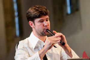 Stefan Temmingh scheint mit seiner Flöte verwachsen. (Foto: bk)