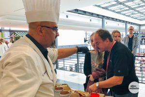Kulinarische Köstlichkeiten gab es im Südfoyer der Halle Münsterland zu entdecken. (Foto: Susanne Wonnay)