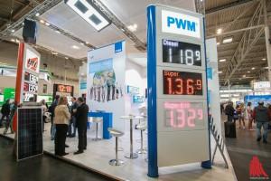 Neue Trends, wie beispielsweise wechselfarbige LED-Anzeigen, wurden der zweitägigen Messe vorgestellt. (Foto: rwe)