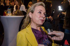 Schauspielerin Christine Urspruch steht Rede und Antwort. (Foto: th)