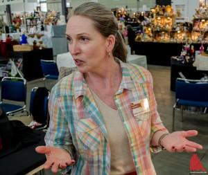 Hat auch als Künstlerin und Geschäftsfrau immer ein offenes Ohr und Zeit für einen Schnack: Shirley Scheibehenne. (Foto: th)