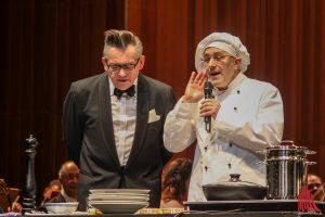 Götz Alsmann (li.) und Fabrizio Ventura beim Neujahrskonzert im Theater. (Foto: bk)