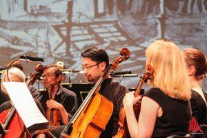 Das Sinfonieorchester hilft Beethoven gerne, wenn er Kindern seine Kompositionen erklären möchte. (Foto: bk)
