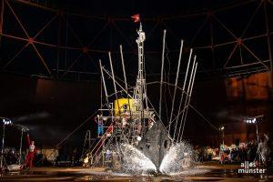 """Das Theater Titanick zeigt sein allererstes Stück """"Titanic"""" endlich an dem am besten geeigneten Ort der Stadt, dem Gasometer. (Foto: Thomas Hölscher)"""