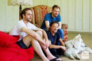 Blicken entspannt zurück (v.l.): Hendrik Hilgert, Frank Romeike und Matthias Hirt vom Treibgut-Team. (Foto: Katja Angenent)