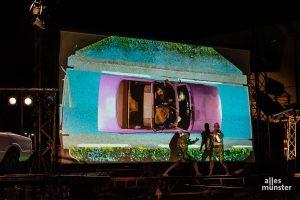 """Bei """"Trip Over"""" setzt das Theater Titanick viele filmische Elemente ein. Und auch die Musik ist wirklich etwas ganz Besonderes. (Foto: Thomas Hölscher)"""