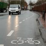 An der Bremer Straße wird der Radweg auf die Straße verlegt. Die Grünanlagen sollen als Abstellflächen für Leezen dienen.