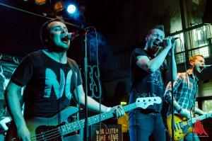 Radio Havanna rocken mit Vollgas den Skaters Palace. (Foto: th)