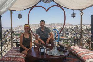 Urlaubsguru-Praktikantin Larissa Piening in der türkischen Stadt Göreme. (Foto: Urlaubsguru / Piening)