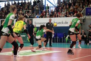 """Die USC-Damen NRW-Derby gegen die """"Ladies in Black"""" aus Aachen. (Foto: Daniel Wesseling)"""