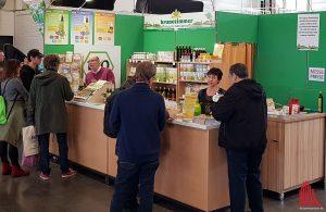 Viele Anbieter nachhaltiger Produkte präsentierten sich an den Ständen. (Foto: ka)