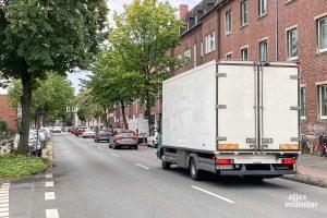 Die Initiatoren der Petition fordern Tempo 30 und den Ausschluss des Schwerlastverkehrs auf der Geiststraße. (Foto: Thomas Hölscher)