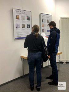 Die Ausstellung der Ärzte gegen Tierversuche ist noch bis zum 15. November in den Räumen der VHS Münster zu sehen. (Foto: Susanne Wonnay)