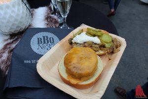 Nur eines der Highlights: der Wagyu Burger mit geschmorten Zwiebeln. (Foto: Jennifer von Glahn)