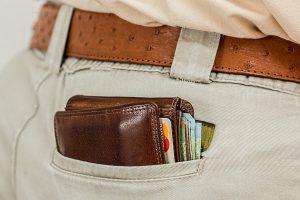 Damit niemandem das Geld aus der Tasche gezogen wird, gibt die Verbraucherzentrale Hilfestellung. (Symbolbild: CC0)