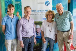 Schirmherr Franz Müntefering (2.v.l.) mit Thomas Lammers (li.), Gabi Völker-Honscheid und Jochen Temme vom Stadtsportbund. (Foto: th)