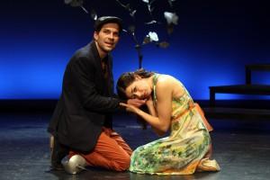 """Florian Bender und Hannah Sieh bei der Premiere von """"Was ihr wollt"""" im Borchert Theater. (Foto: Klaus Lefebvre)"""