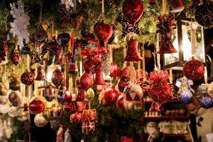 Auch der Weihnachtsmarkt im Mühlenhof stimmt auf die besinnliche Zeit ein. (Foto: CC0)