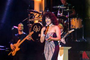 Belinda Davids ähnelt nicht nur optisch der Pop-Diva Whitney Houston. (Foto: cf)