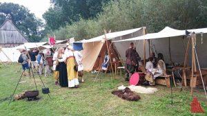 Viele der Besucher kamen in historischer Kleidung. (Foto: ka)