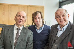 Am Wilsberg-Set: Vittorio Alfieri (li.) mit den Schauspieler-Kollegen Oliver Korittke (Mitte) und Leonard Lansink. (Foto: cabe)