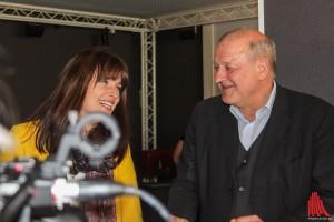 Haben vor und hinter der Kamera immer viel Spaß: Ina Paule Klink und Leonard Lansink. (Foto: bk)