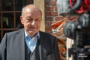 Wilsberg-Schauspieler Leonard Lansink am Set. Für die neuen Episoden sind vorerst keine Aufnahmen in Münster geplant. (Archivbild: Thomas M. Weber)