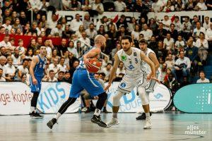 """""""Wir fahren sehr selbstbewusst nach Erfurt und wollen unbedingt den 10. Sieg in Folge nach Hause bringen"""", sagt Philipp Kappenstein, Trainer der WWU Baskets. (Foto: Claudia Feldmann)"""