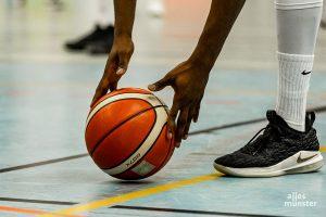 """Die WWU Baskets ließen bei den Itzehoe Eagles im letzten Viertel den """"letzten Punch"""" vermissen und unterlagen in einer intensiven Partie 85:97 (44:46). (Archivbild: Claudia Feldmann)"""