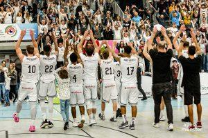 3.000 Zuschauer sahen das Spiel der Baskets am Berg Fidel. (Foto: Claudia Feldmann)