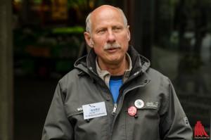 Wolfgang Gettmann setzt sich auch im Ruhestand mit Herzblut für Tiere ein. (Foto: th)