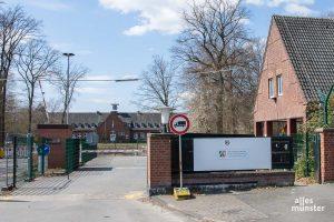 Weil es dort aktuell zwei Corona-Fälle gibt, fordert das Bündnis gegen Abschiebungen Münster die Auflösung der ZUE in der ehemaligen York-Kaserne. (Foto: Thomas Hölscher)